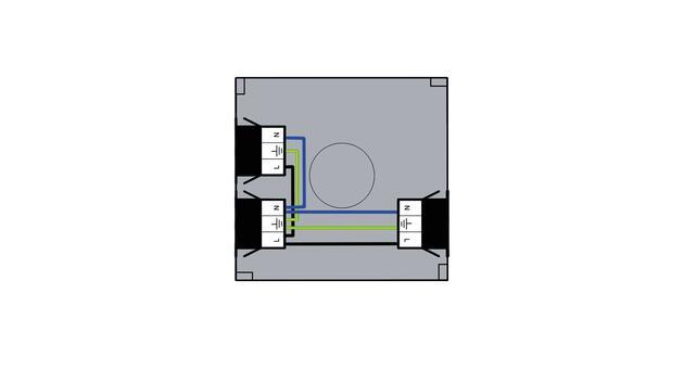 Steckbar 100% Gehäuse PD, WAGO WINSTA® MIDI, in: 3pol sw, out:2x 3pol sw, 120x120x40 mm, lichtgrau